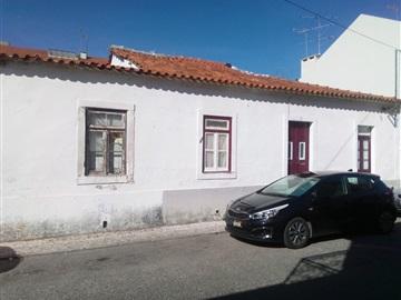 Terraced house T6 / Entroncamento, São João Baptista