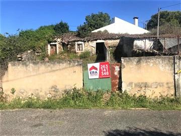 Terreno com ruina / Arruda dos Vinhos, Arranhó