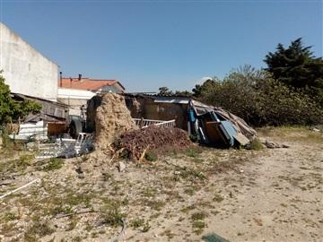 Terreno com ruina / Seixal, Vale de Milhaços