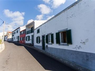 Vivienda Adosada T2 / Ponta Delgada, Relva