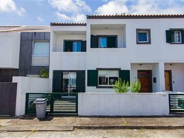 Vivienda Adosada T3 / Ponta Delgada, Ponta Delgada (São José)