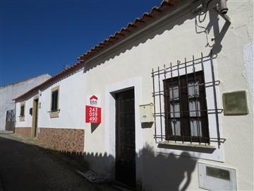 Viviendas Adosadas en barrio T2 / Rio Maior, Marmeleira