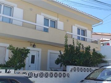 Viviendas Adosadas en barrio T3 / Almada, Vila Nova Caparica