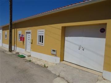 Viviendas Adosadas en barrio T3 / Rio Maior, Azinheira