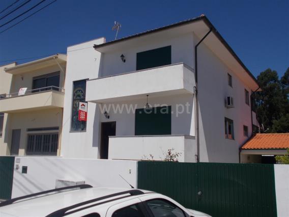 Viviendas Adosadas en barrio T3 / Santa Maria da Feira, Mozelos